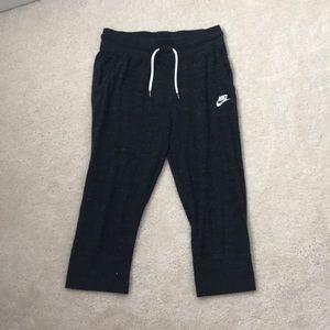 Nike Sportswear Cropped Gray Joggers